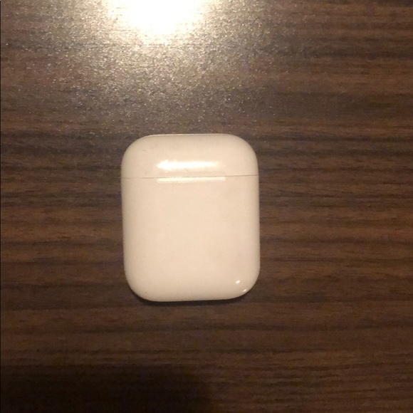 🚫SOLD🚫 1st Generation Apple AirPods Case